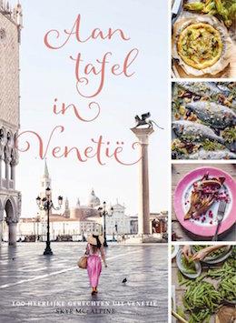 Venetie_Boeken_Aan_tafel_in_Venentie_Skye McAlpine