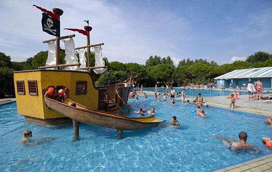 Venetie_camping-Ca-Savio-zwembad