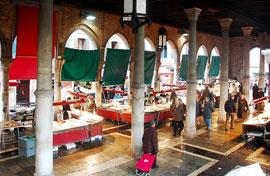 Venetie_markt-pescheria1.jpg