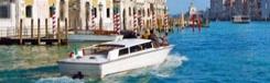 Cruise met een motorboot door Canal Grande